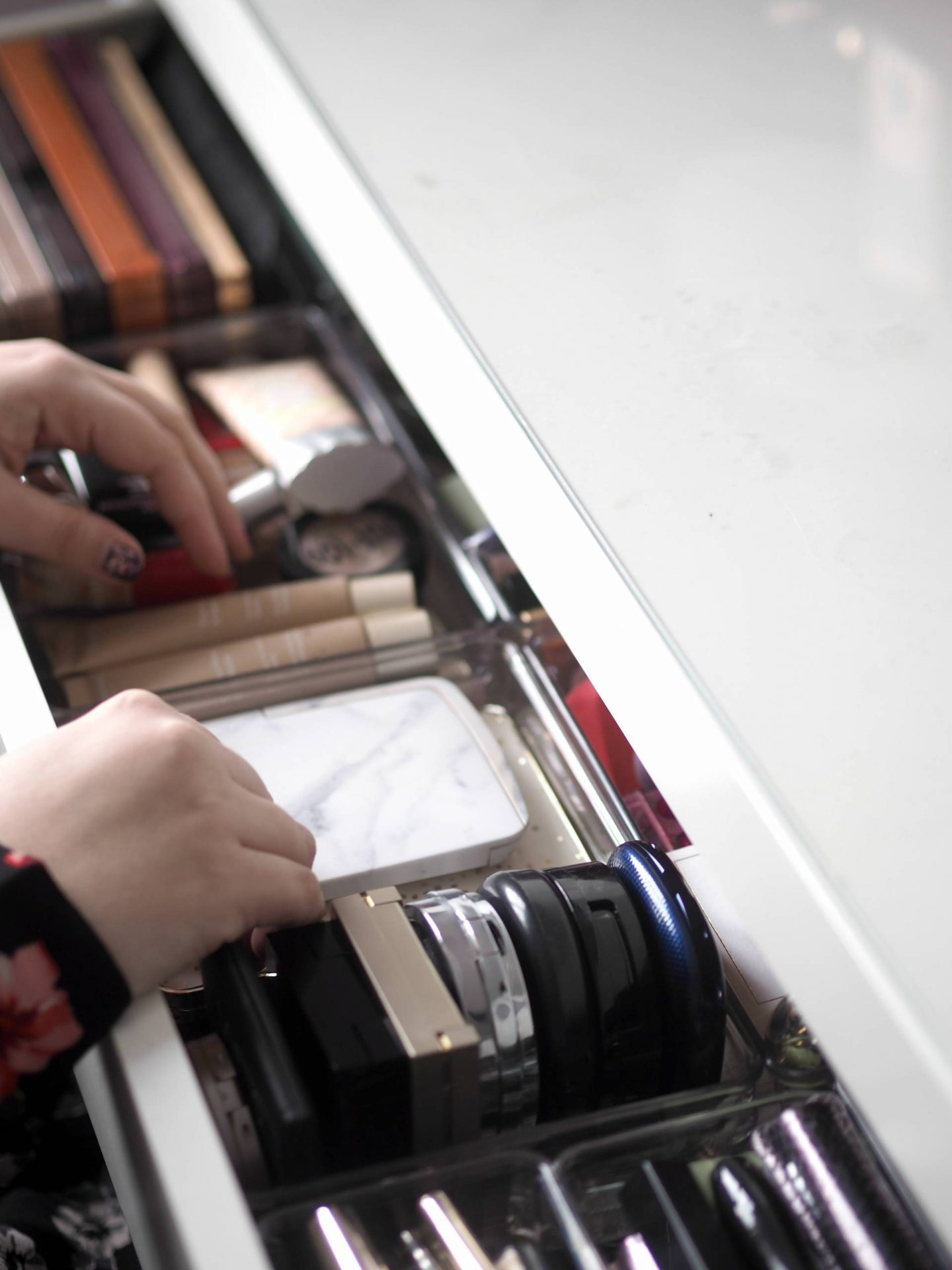 Downsizing my makeup collection | Merry Musing